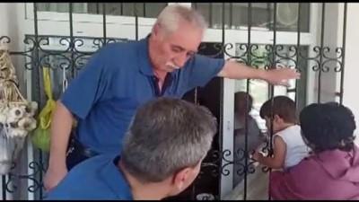 parmak - TOKAT - Başı pencerenin demir parmaklığına sıkışan çocuğu itfaiye kurtardı