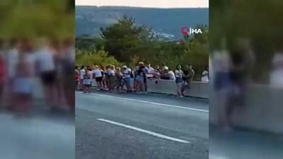yangin panigi -  Turistleri taşıyan otobüste yangın paniği