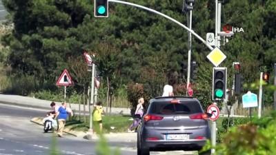tehlikeli yolculuk -  Arnavutköy'de sunroof'tan çıkan çocuğun tehlikeli yolculuğu kamerada
