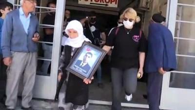 bayram hediyesi - MUŞ - Çocuklarının dağa kaçırılmasından HDP'yi sorumlu tutarak eylem yapan aile sayısı 8'e yükseldi