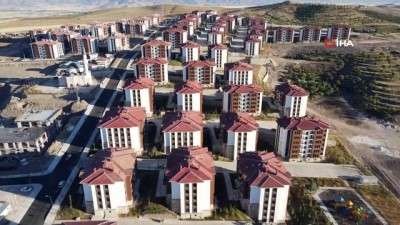kiz kardes -  Elazığ'da deprem konutları ile adeta bir ilçe kuruldu, 15 bin kişi yaşayacak