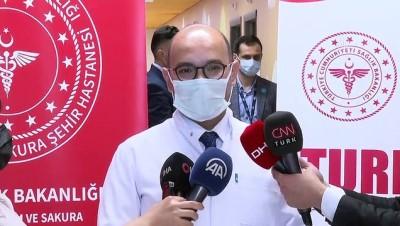 İSTANBUL - Yerli aşı 'TURKOVAC', Faz-3 çalışması kapsamında İstanbul'daki gönüllülere uygulanıyor