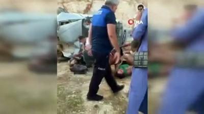 112 acil servis -  Mersin'de trafik kazası: 1'i ağır 4 yaralı Videosu