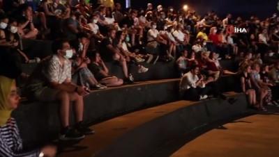tiyatro -  Büyükşehir Tiyatrosu perdelerini açtı