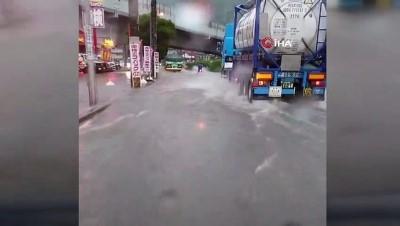 toprak kaymasi -  - Japonya'da şiddetli yağmur su baskınlarına yol açtı Videosu