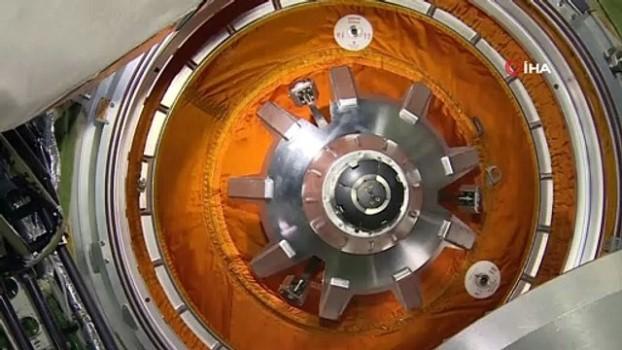 uzay istasyonu -  - Rus kozmonotlar, Nauka modülünün içinden yeni görüntüler paylaştı