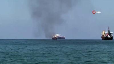 sahil guvenlik -  İskenderun Körfezi'nde konteyner yüklü gemide yangın çıktı