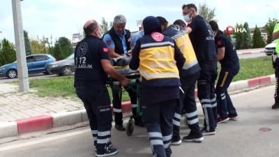 motosiklet surucusu -  Karaman'da otomobil ile çarpışan motosiklet sürücüsü ağır yaralandı Videosu