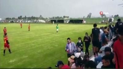 - Meksika'da amatör futbol maçında silahlı saldırı: 3 ölü, 1 yaralı