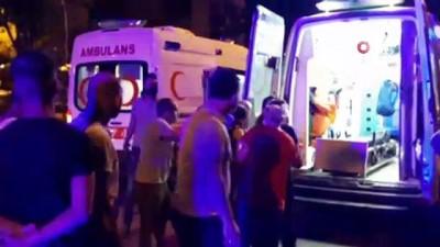 motosiklet surucusu -  Antalya'da sürücü direksiyon hakimiyetini kaybetti: 1 ölü, 5 yaralı Videosu