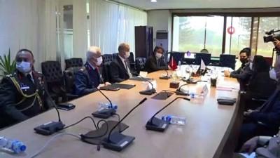 savunma sanayi -  - Bakan Akar, Pakistan Savunma Üretim Bakanı Jalal ile görüştü
