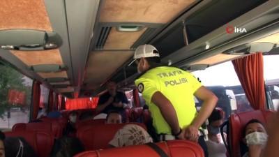 sehirlerarasi otobus -  Eskişehir'de trafik ekipleri yolcu otobüslerini denetledi