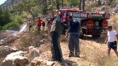 yuksek gerilim -  Antalya'da sahile yakın dağlık alanda çıkan yangın ekipleri alarma geçirdi