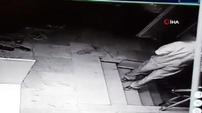 isaf -  Ayakkabı hırsızlığı güvenlik kameralarına yansıdı