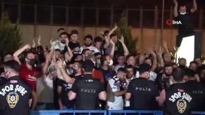 tezahur - Beşiktaş'ın golcüsü Batshuayi, İstanbul'a geldi
