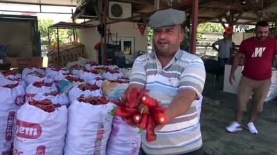 iklim degisikligi -  Salça sezonunun başladığı Adana'da damlar kırmızıya boyanıyor