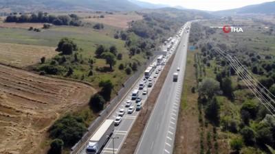 cokme -  TEM'in Ankara yönü yol çalışması sebebiyle trafiğe kapatıldı