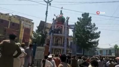 protesto -  - Afganistan'da Taliban'a 'bayrak' protestosu: 2 ölü, 12 yaralı