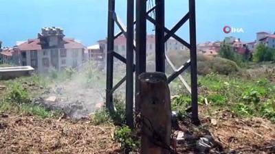 yuksek gerilim -  - Elektrik direğinden çıkan kıvılcım yangına neden oldu