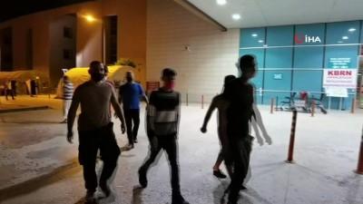 sinir disi -  Kaçak yollarla ülkeye giren 5 mülteci takside yakalandı