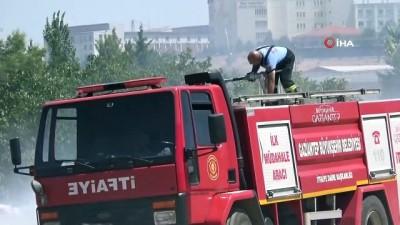 fabrika -  Sanayi bölgesi yakınında çıkan yangın korkuttu