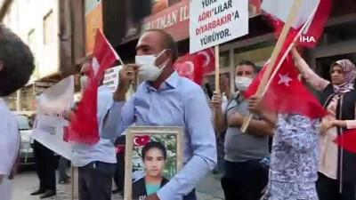 kacis -  - Diyarbakır Anneleri Ağrı'da PKK'yı lanetledi