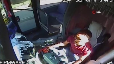 halk otobusu -  Halk otobüsü şoförü, dili boğazına kaçan çocuğu hastaneye böyle yetiştirdi
