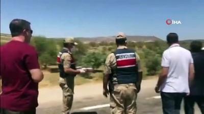emniyet kemeri -  - Jandarma kontrol noktasında aşure dağıtıldı