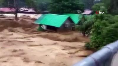 siddetli yagis -  - Malezya'da sel felaketi: 4 ölü, 2 kayıp