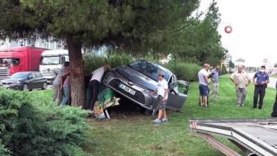 emniyet kemeri -  Baba-oğul takla atan otomobilden burunları bile kanamadan çıktı