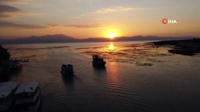 yansima -  Beyşehir Gölü'nde tur teknelerinin günbatımı gezileri ilgi çekiyor
