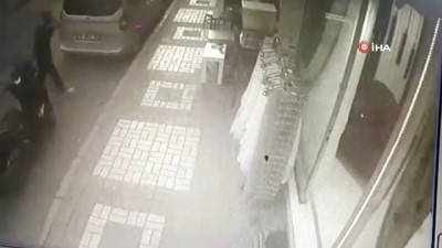 motosiklet surucusu -  Çay ocağına silahlı saldırı kamerada: 1'i ağır 2 yaralı