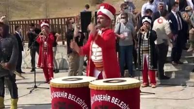 orman yanginlari -  Malazgirt Zaferi'nin 950'inci yılı Türk Yıldızları nefes kesti