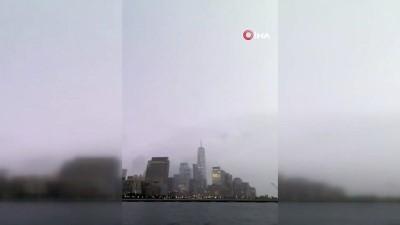 yagmur -  - New York'taki One World Trade Center'a yıldırım düştü