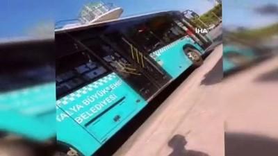halk otobusu -  Otobüste maske takmayı reddeden kadın ortalığı birbirine kattı