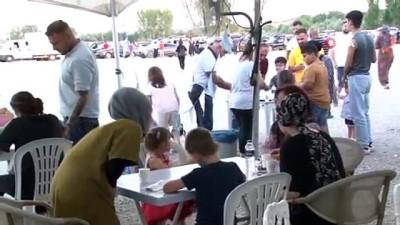 gurbetci -  Gurbetçiler, Kapıkule'den güler yüz ve ikramlarla uğurlanıyor Videosu