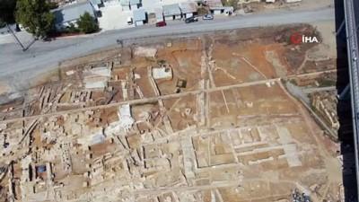 arkeoloji -  Haydarpaşa Garı çevresindeki kazılarda tarihi yapılar gün yüzüne çıkmaya devam ediyor