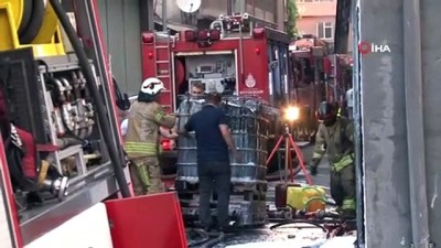 saglik ekibi -  Kağıthane'de 6 katlı plastik fabrikasında korkutan yangın