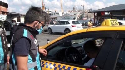 emniyet kemeri -  Eminönü'nde sivil ekiplerden taksilere yönelik denetim