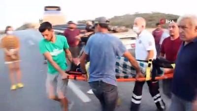 112 acil servis -  Otomobil tıra arkadan çarptı: 2 ağır yaralı