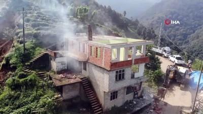 siddetli yagis -  Rize'de acil yıkım kararı alınan 17 binanın yıkımına başlandı