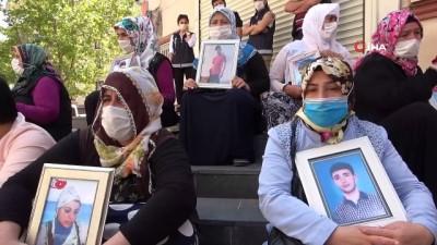 """oturma eylemi -  Ailelerin HDP önündeki direnişi 724. gününde devam ediyor: """"Çok büyük bir acı ciğerimizi bizden kopardılar"""""""