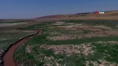 su -  Hacıhıdır Barajı'nda su seviyesi son 32 yılın en düşük seviyesinde