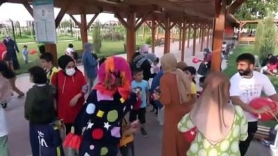 Okul heyecanı yaşayan öğrenciler, düzenlenen etkinlikte doyasıya eğlendi