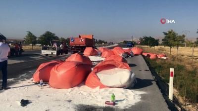 Konya'da feci kaza...Tır ile hafif ticari araç çarpıştı: 6 ölü, 2 yaralı