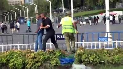 cevik kuvvet -  Taksim Meydanı'nda İBB çalışanları birbirine girdi.. O anlar kamerada