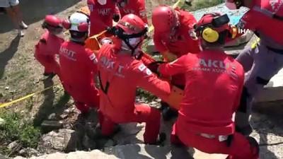 AKUT'tan gönüllülerine gerçeği aratmayan arama ve kurtarma eğitimi