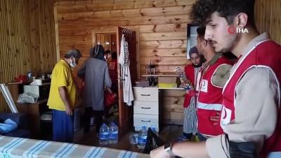 operasyon -  Kızılay gönüllüleri ev ve iş yerlerinin temizlenmesine yardımcı oluyor