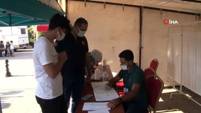 asi -  Sağlık müdürü Hirik, oğluna korona virüs aşısı yaptı