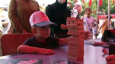 Sultangazili çocuklar okulların açılmasına sayılı günler kala doyasıya eğlendi